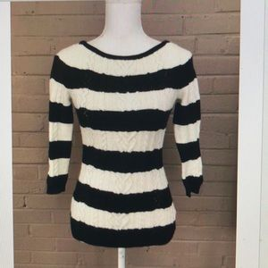 White House Black Market Cable knit sweater XS